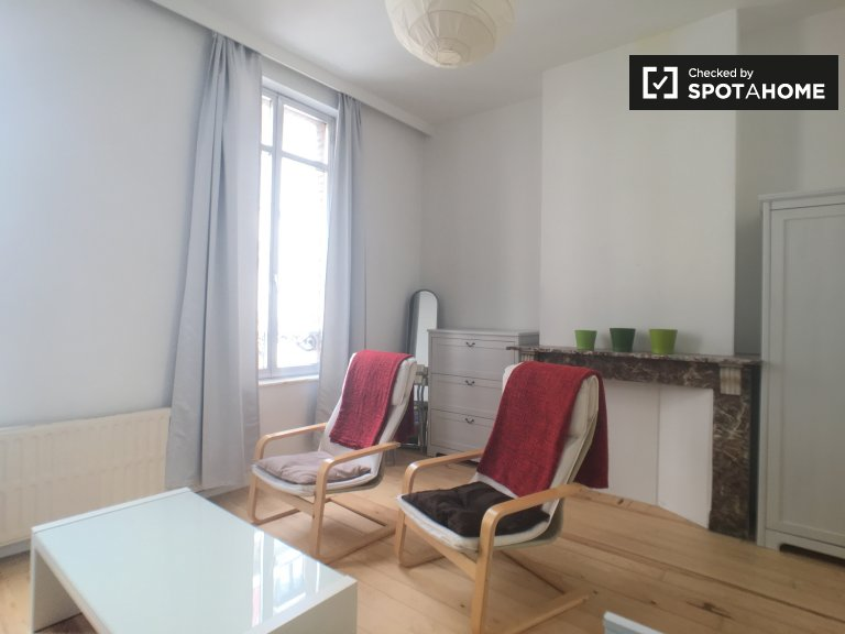 Roomy studio apartment for rent in Saint-Josse, Brussels