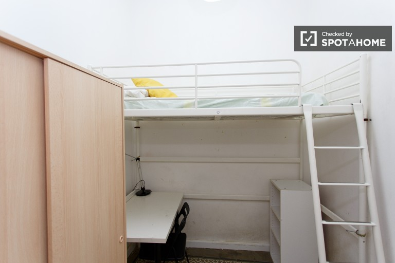 Bedroom 9 with single bed and desk