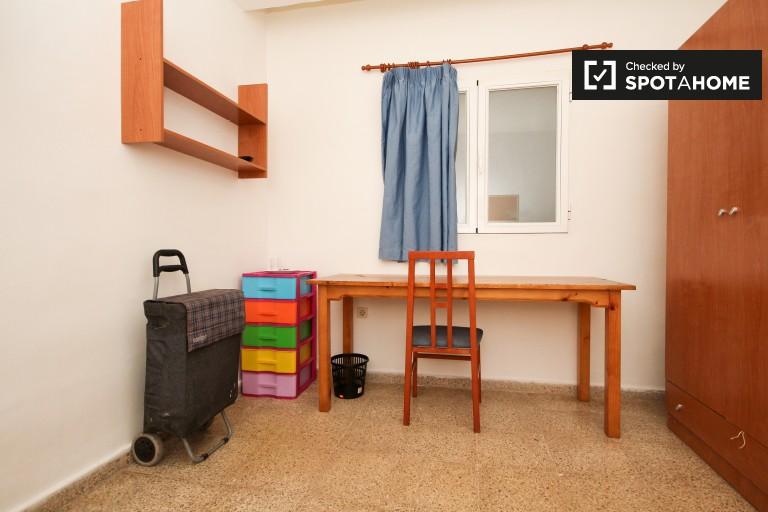 Bedroom 15 - single bed