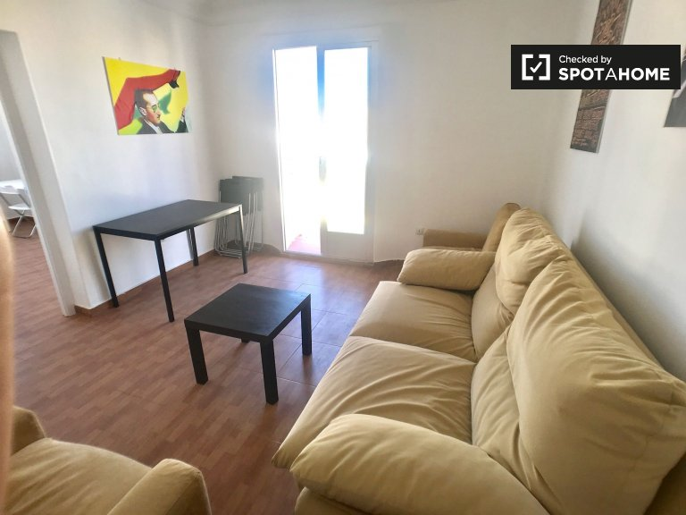 Apartamento de 4 quartos para alugar em Cuatro Caminos