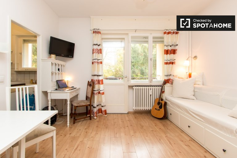 Fab studio apartment for rent in Wedding, Berlin