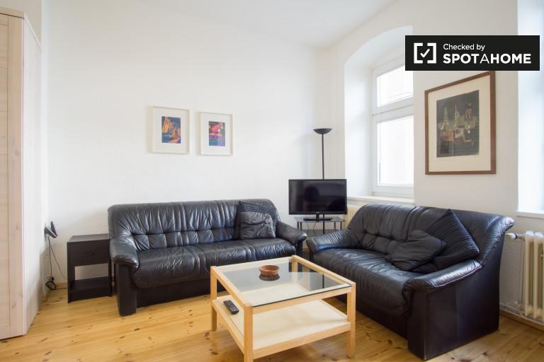 Minimalist 1-bedroom apartment for rent in Schöneberg