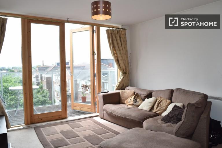 1-bedroom apartment with parking for rent in Ballsbridge