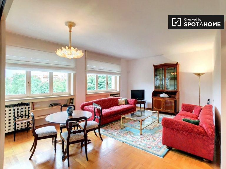 Amplio apartamento de 2 dormitorios en alquiler en Sempione, Milán