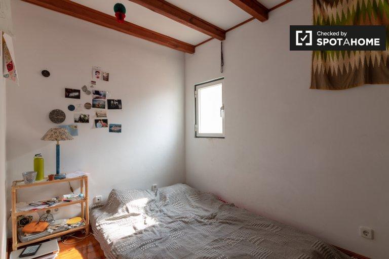 Estrela, Lizbon 3 yatak odalı daire Kiralık rahat oda