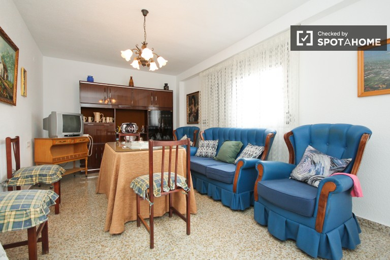 Spacious 3-bedroom apartment with balcony for rent in San Francisco Javier area