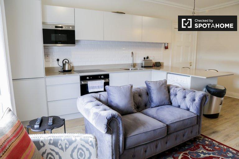 Serviced Apartment mit 2 Schlafzimmern zu vermieten im Stadtzentrum, D2