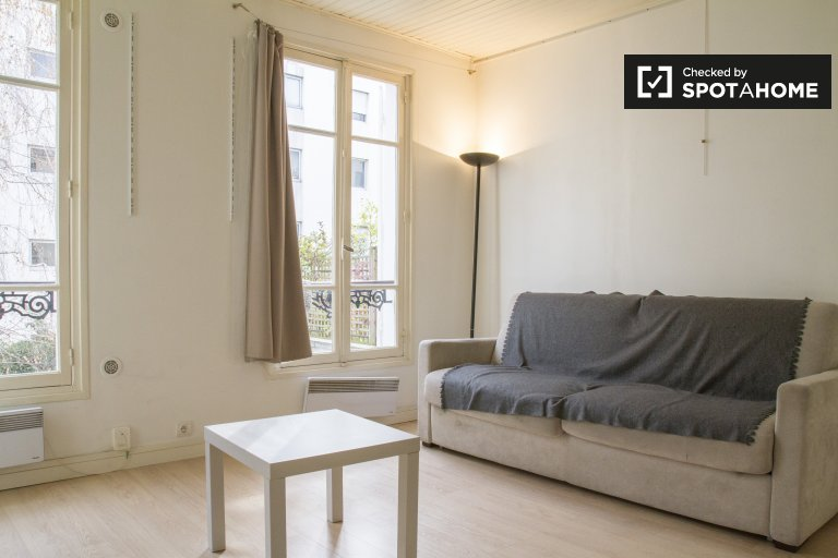 Studio apartment for rent in Paris' 17th Arrondissement