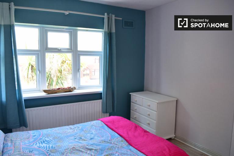 Tolles Zimmer in 3-Zimmer-Wohnung in Tallaght, Dublin