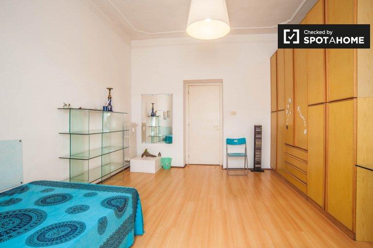 Chambre lumineuse dans un appartement de 2 chambres à San Lorenzo, Rome