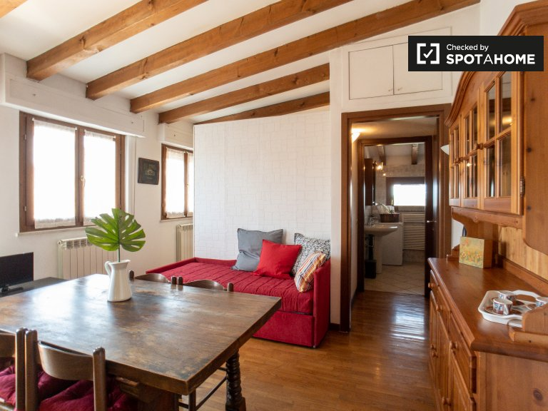 Studio appartment for rent in Villapizzone, Milan