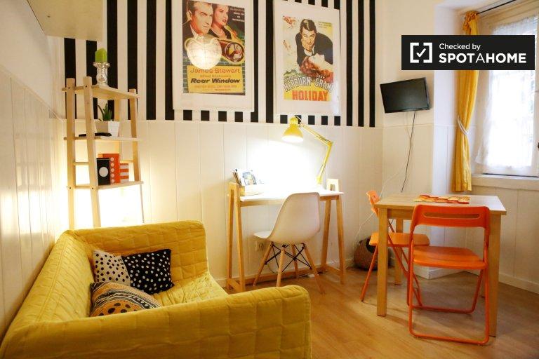 Czyste 1-pokojowe mieszkanie do wynajęcia w Entrecampos, Lizbona