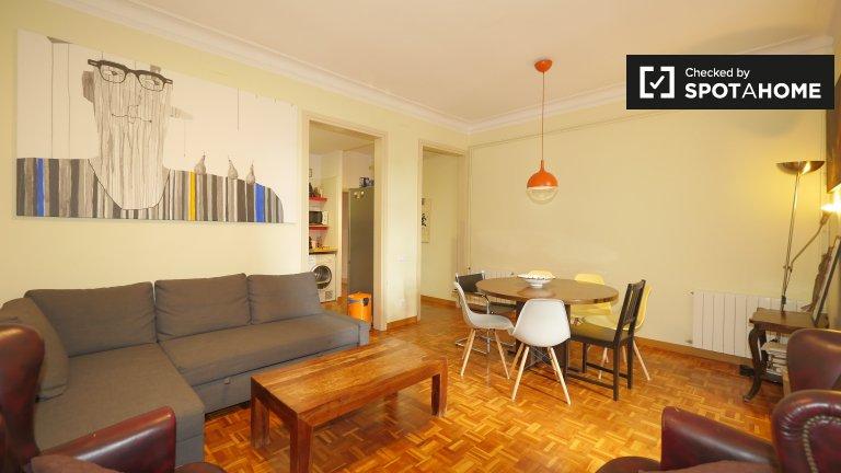 Przestronny apartament z 4 sypialniami do wynajęcia w Gràcia w Barcelonie