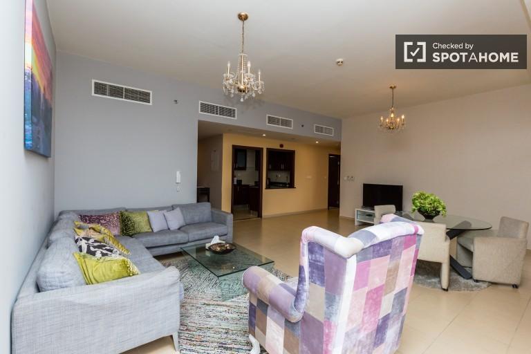 Elegant 2-bedroom apartment with AC and balcony for rent - Dubai Marina
