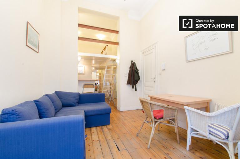 Apartamento com aquecimento para alugar em Madou, Bruxelas