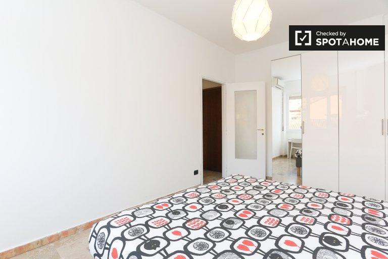Quarto para alugar em apartamento com 2 quartos em Tibaldi