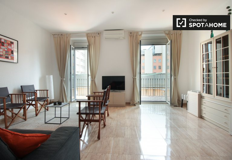 3-bedroom apartment for rent in Ciutat Vella, Barcelona