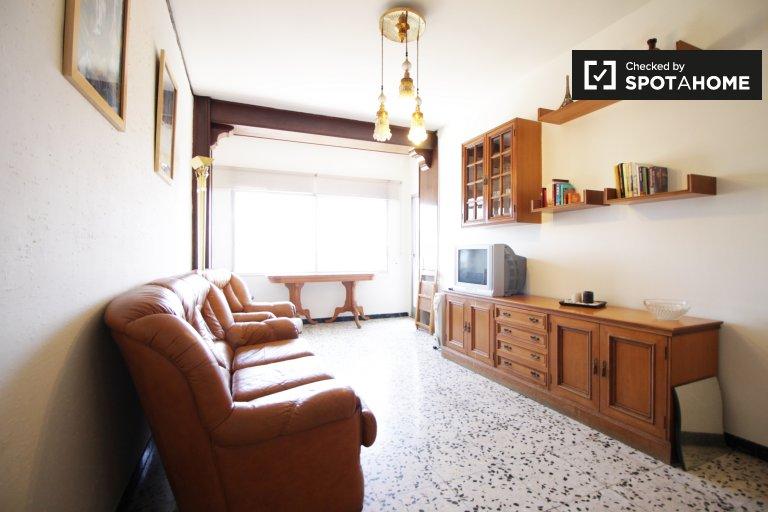 Bom apartamento de 3 quartos para alugar em Les Corts, Barcelona
