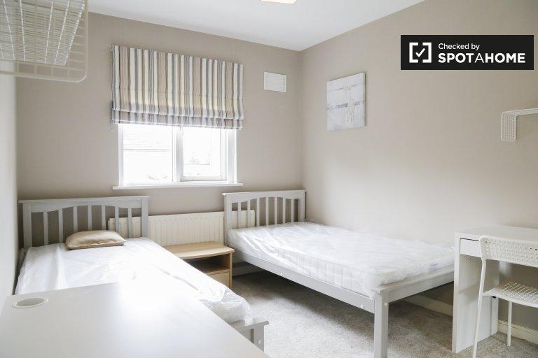 Bett zur Miete in einem 4-Zimmer-Haus in Stoneybatter, Dublin