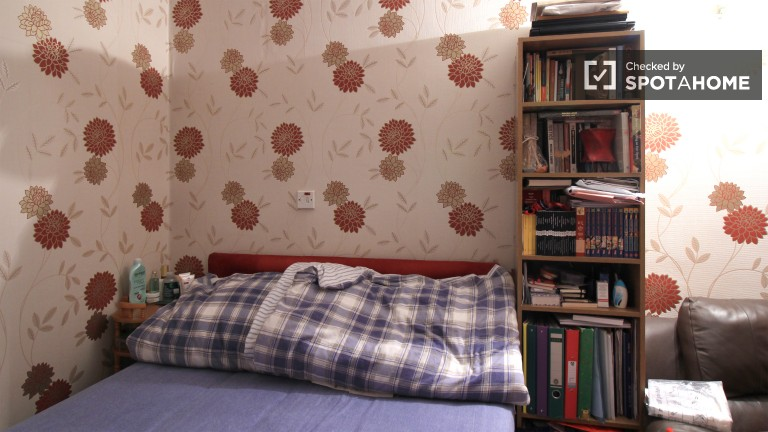 Bedroom 1 with Heating Unit, Couples Allowed