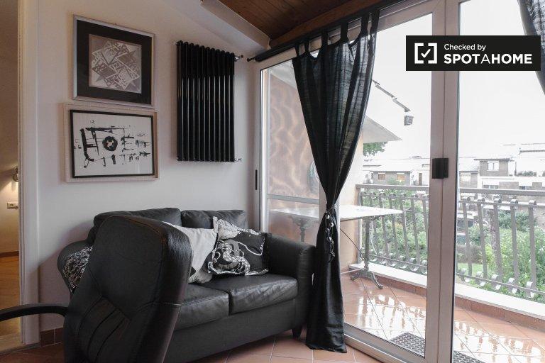 Pokój z tarasem w apartamencie z 3 sypialniami w Axa, Rzym