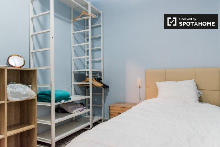 Quarto para alugar em apartamento de 3 quartos em Camins al Grau
