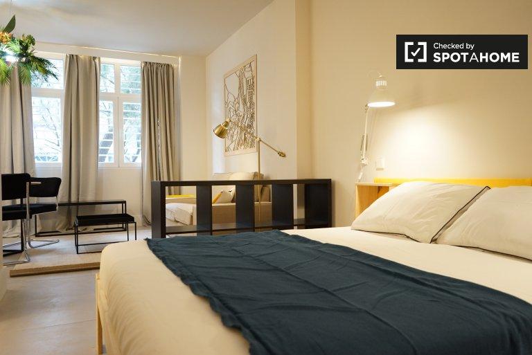 Apartamento estudio en alquiler en San Blas, Madrid.
