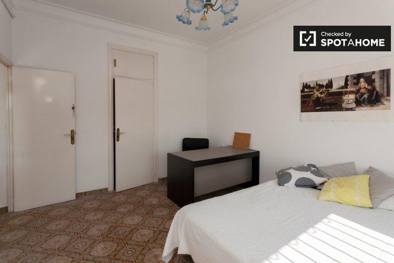 Zimmer zu vermieten in 7-Zimmer-Wohnung in Barri Gòtic