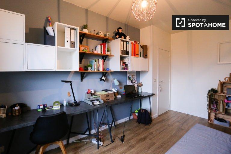 Chambre à louer, appartement de 3 chambres à coucher, Anderlecht, Bruxelles