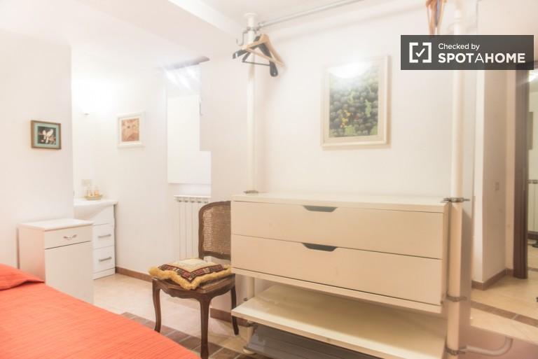 Bedroom 2- Twin beds
