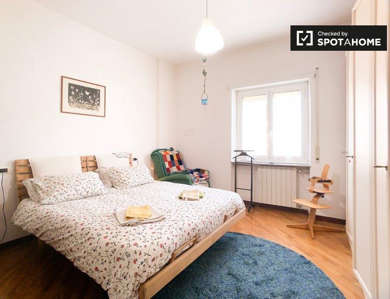 Habitación en el apartamento de 3 dormitorios en Pigneto, Roma