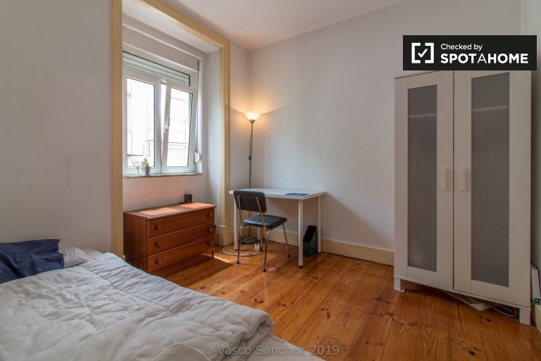 Bom quarto para alugar, apartamento T3, Penha de França, Lisboa