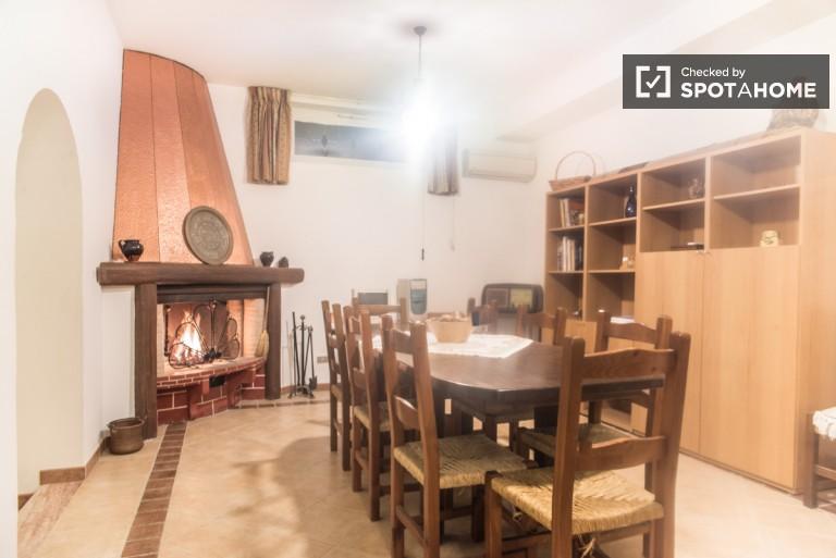 Charmant appartement avec terrasse à Infernetto à Rome
