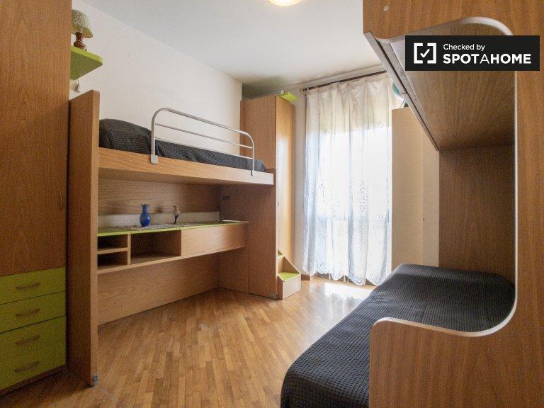 Bett zur Miete in einem Mehrbettzimmer in Bovisa, Mailand