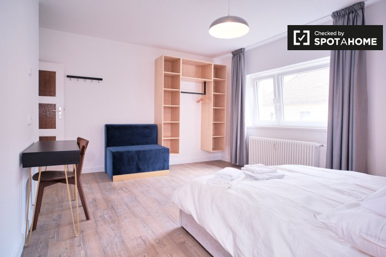 Room for rent apartment with 2 bedrooms, Neukölln, Berlin