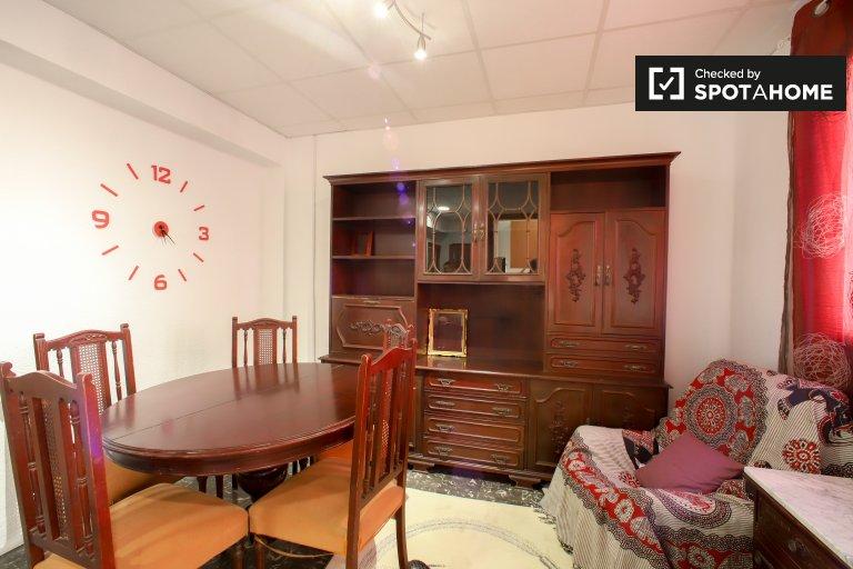 L'Olivereta'da kiralık geniş 3 yatak odalı daire