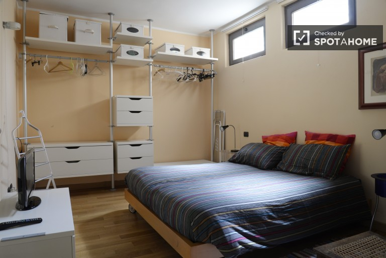 1 bedroom designer apartment for rent close to Milano Centrale