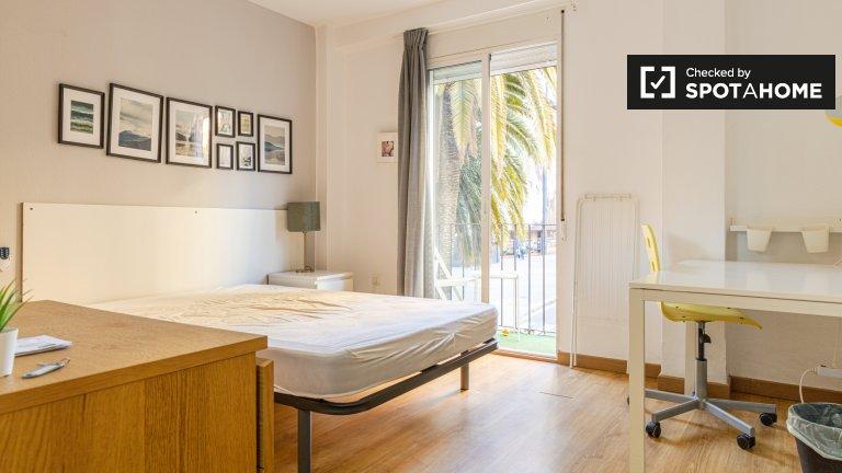 Quartos para alugar em apartamento de 3 quartos, El Pla del Real, Valência