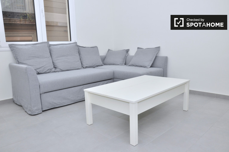 4-bedroom apartment with AC for rent in El Born, Barcelona