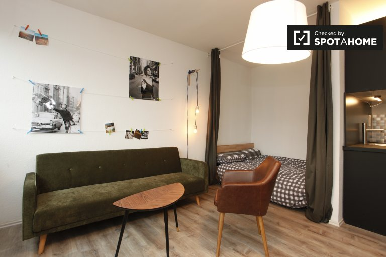 Stylish studio apartment for rent in Neukölln