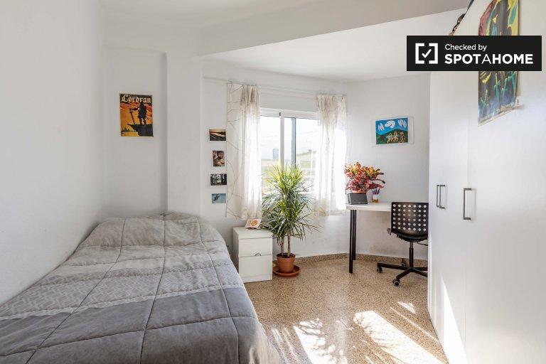 Chambre à louer dans un appartement de 2 chambres à Benimaclet
