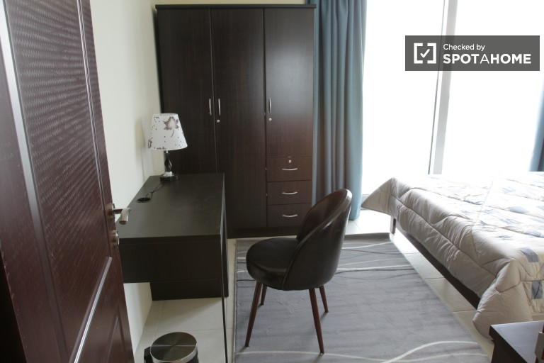 Spacious room in shared apartment in Business Bay, Dubai