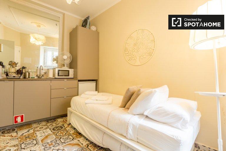 Przytulne mieszkanie typu studio do wynajęcia w Alfama, Lizbona