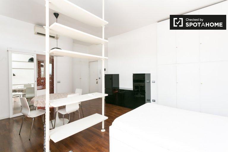 Studio à louer à Sant Ambrogio, Milan