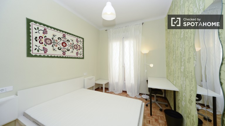 Room 1 Double Bed 80780 with balcony