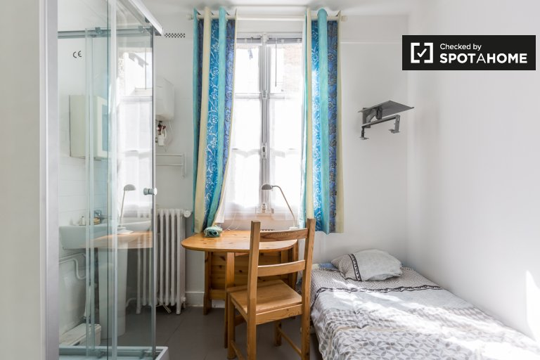 Lovely studio apartment for rent in the 16th arrondissement