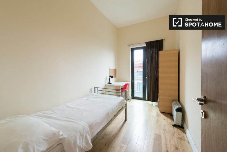 Single Bed in Modern student accommodation in Bethnal Green