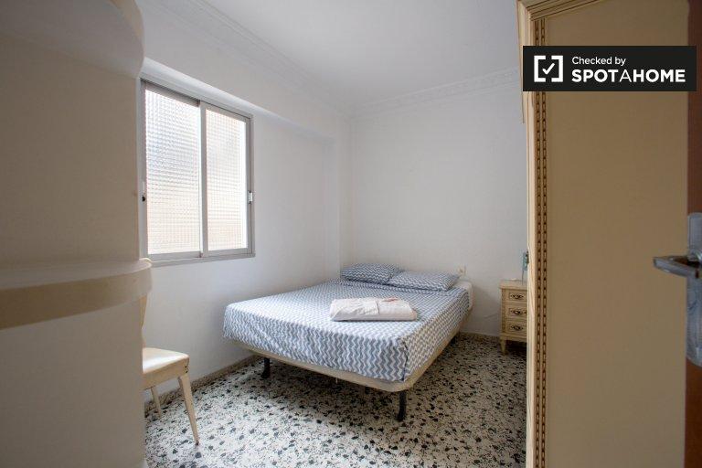 Chambre ensoleillée à louer, appartement de 2 chambres à coucher, Poblats Marítims