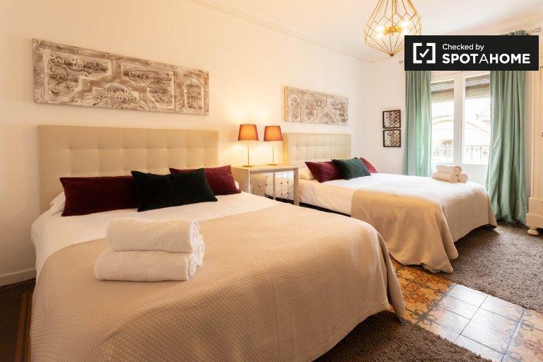 Se alquila habitación doble, apartamento de 6 dormitorios, Barri Gòtic