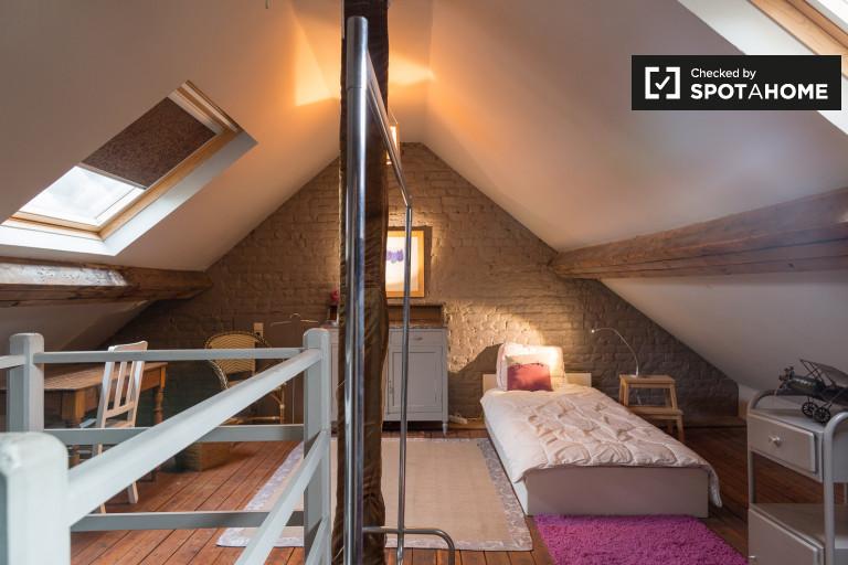 Chambre meublée dans un appartement à Schaerbeek, Bruxelles